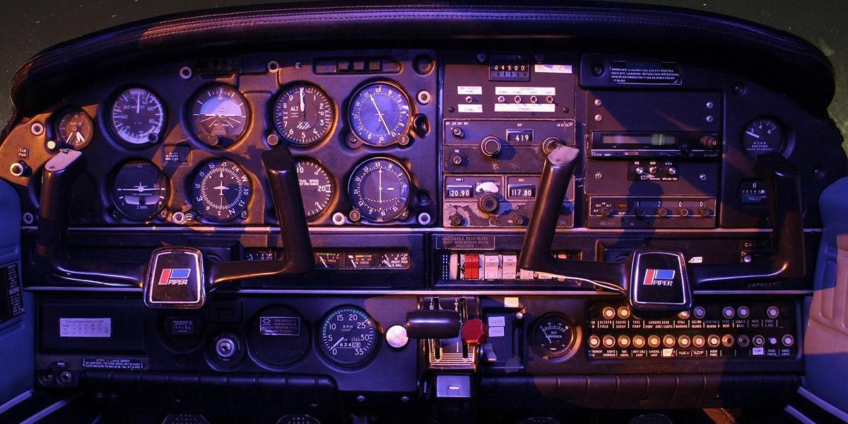header_cockpit_adj